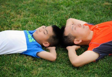 enfants sportifs repos